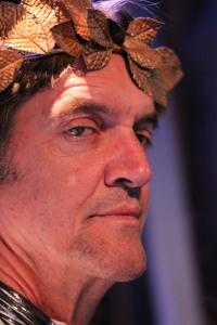 Zeus (Chris Kayser)